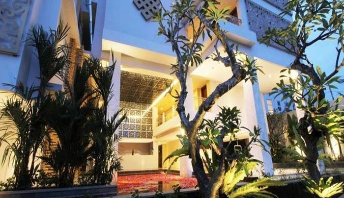 Signature Hotel Bali Bali - Tampilan Luar Hotel