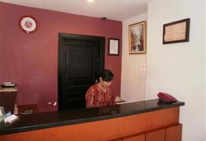 ZUZU Hotel Feodora Hotel - Receptionist