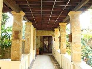 Lotus Garden Hotel Kediri - Pintu masuk