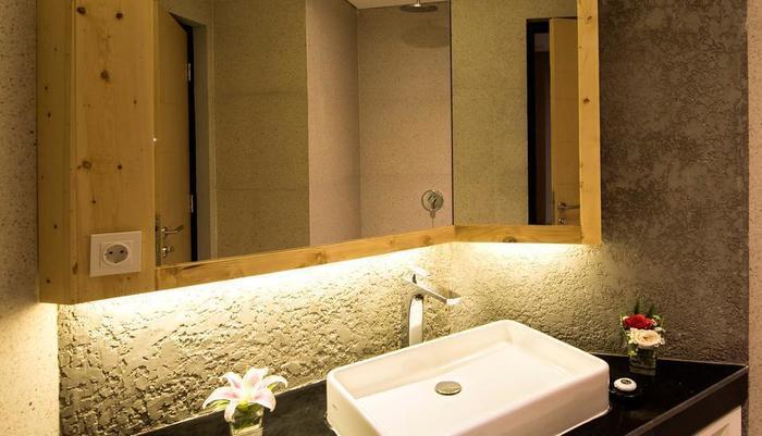 Ayaartta Hotel Malioboro Yogyakarta - Bathroom