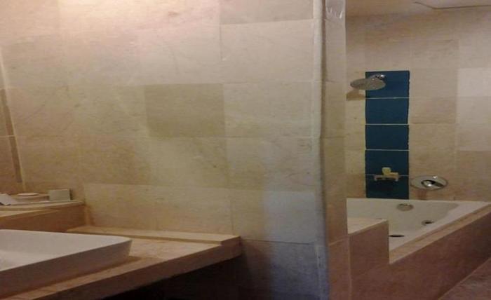 LYNT Hotel Makassar - Kamar mandi
