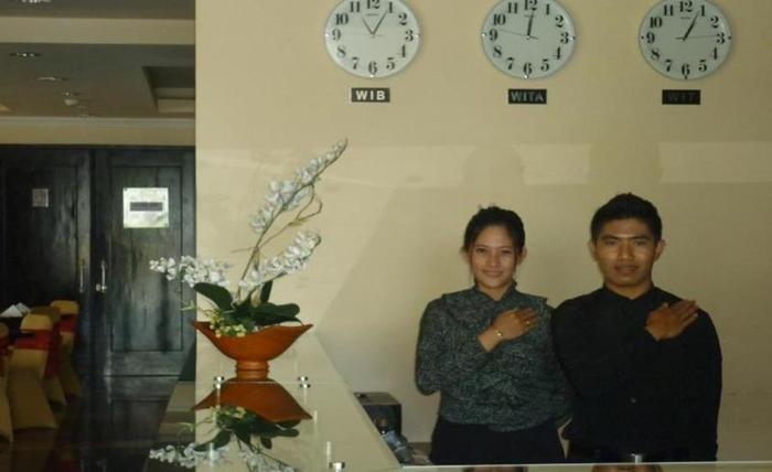 LYNT Hotel Makassar - Staf hotel