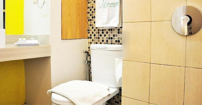 Le Green Suite Supomo Jakarta - Toilet