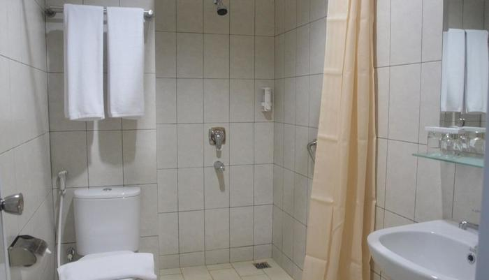 IZI Hotel Bogor - Kamar mandi