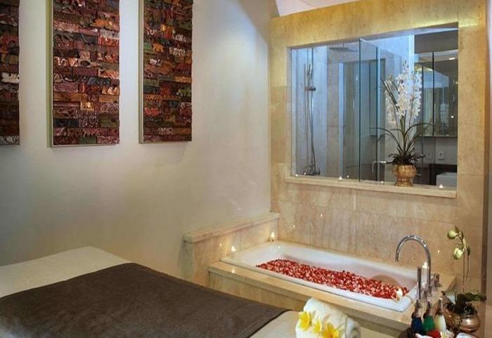Royal Kamuela Bali - Bak mandi