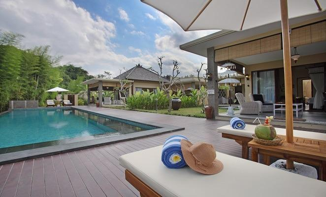 Villa Nirvana Bali - Pemandangan Kolam Renang