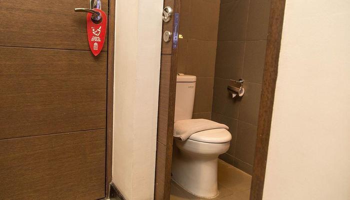 ZenRooms Legian Patih Jelantik - toilet