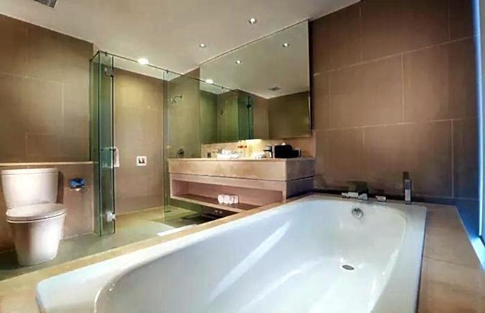 Aston Banua Hotel Banjarmasin - Kamar Mandi Suite