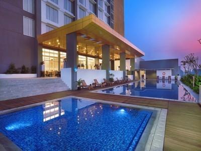 Aston Banua Hotel Banjarmasin - Kolam Renang
