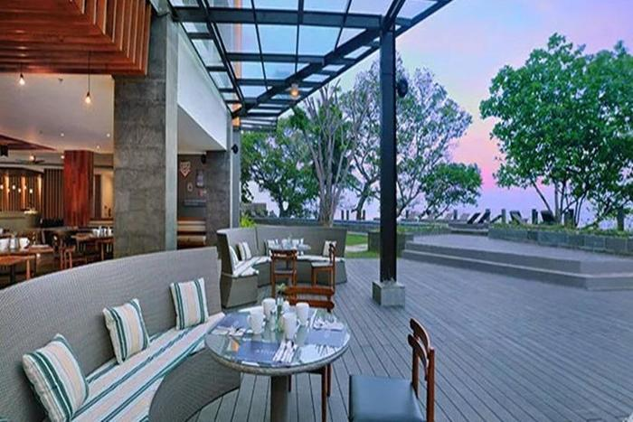 Aston Anyer - Sunset Cafe