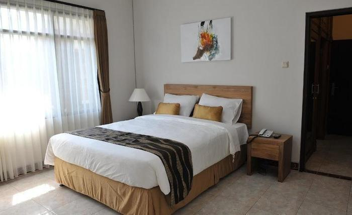 Magnolia Bed & Breakfast Bandung - Bed Room