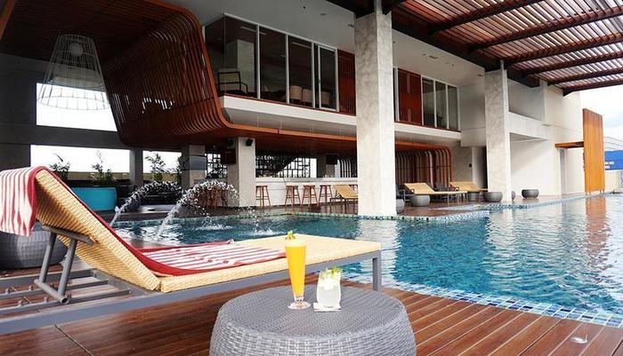 Hotel Margo Depok - Kolam Renang