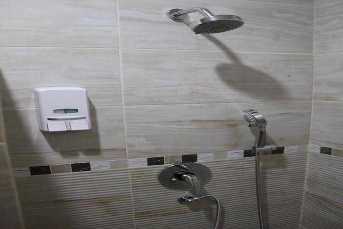 Fontana Hotel Jakarta - Kamar mandi