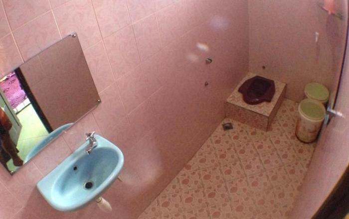 Zahfiraah Guest House Balikpapan - Kamar mandi