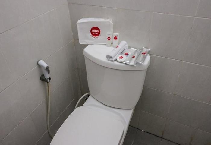NIDA Rooms Gelogor Carik Denpasar - Kamar mandi