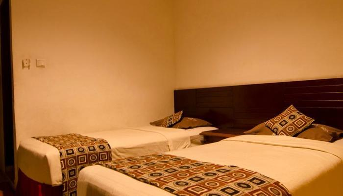 Guest House and Salon Spa Fora Lingkar Selatan Bandung - Executive Room
