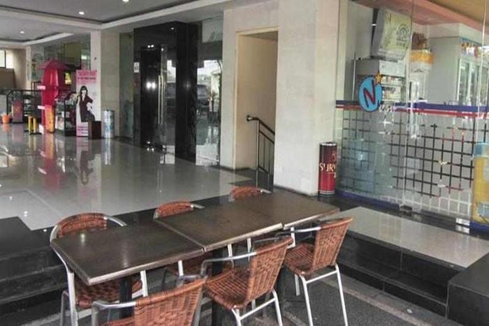 Hotel Nirmala Denpasar - Meja Makan