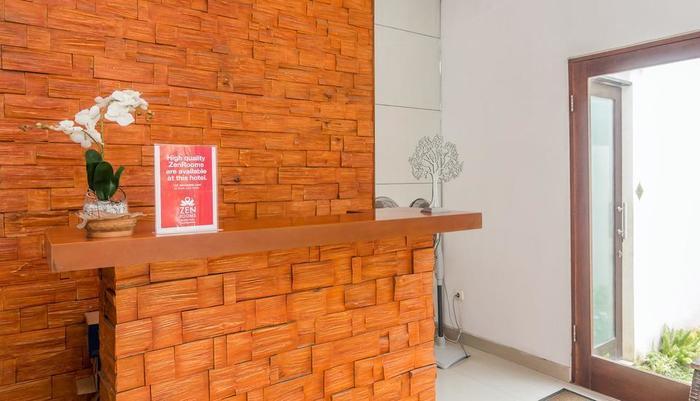 ZenRooms Denpasar Padang Mekar - Resepsionis