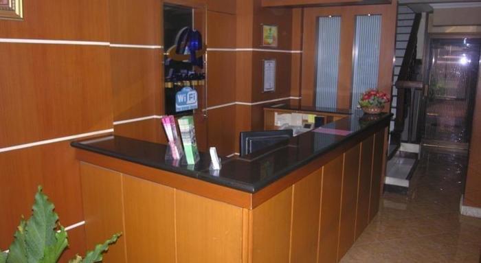 Andalus Hotel Surabaya - Lobby