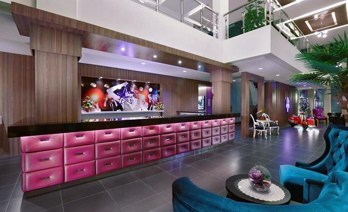 Fame Hotel Batam Batam - Lobi