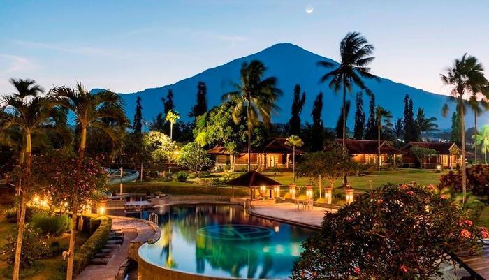Hotel Tirta Sanita Kuningan - pemandangan gunung