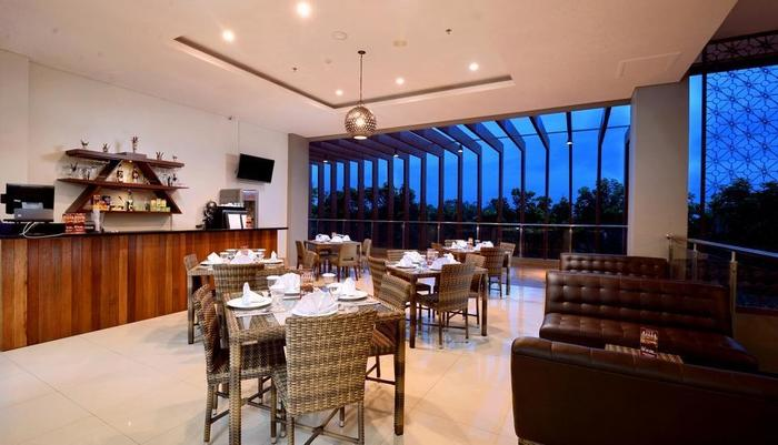 The Atrium Hotel and Resort Yogyakarta - Nirwana Bar