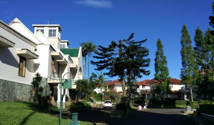Villa Sabrina Bumi Ciherang Cianjur - 1