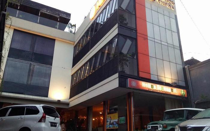 Helios Hotel Malang - Exterior Hotel
