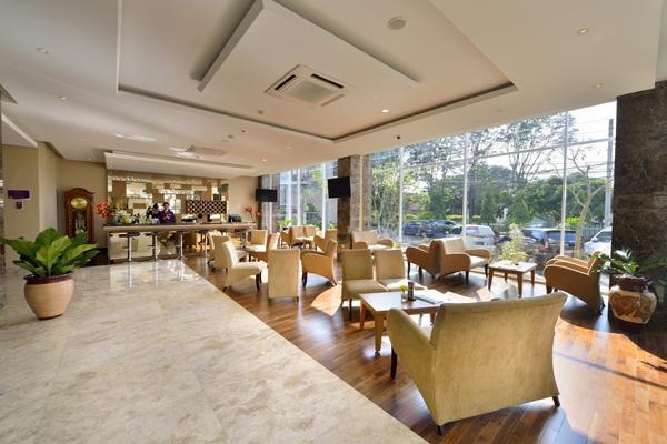 Grand Tjokro Yogyakarta - Lounge