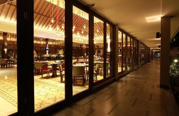 El Royale Hotel & Resort Banyuwangi Banyuwangi - Restaurant