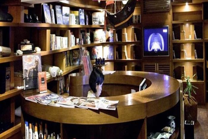 Anantara Seminyak - Perpustakaan