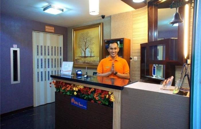 Mine Home Hotel Cihampelas Bandung - Resepsionis