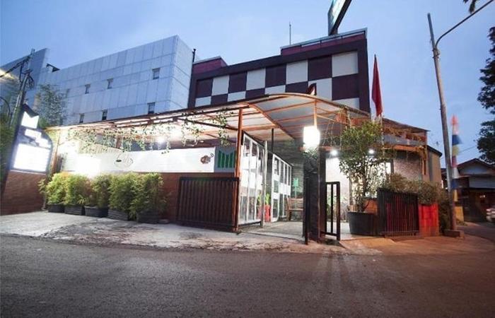 Mine Home Hotel Cihampelas Bandung - Eksterior