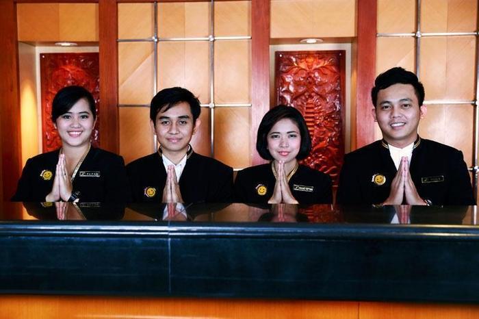 Hotel Mega Anggrek Jakarta - Greetings