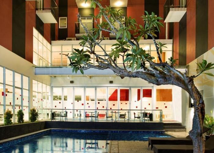 Amaris Hotel Kupang - Kolam Renang