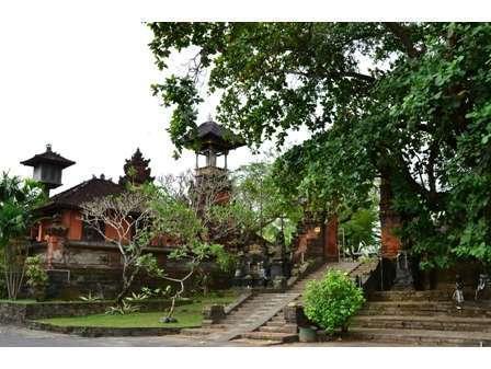Sarinande Hotel Bali -  Petitenget Temple