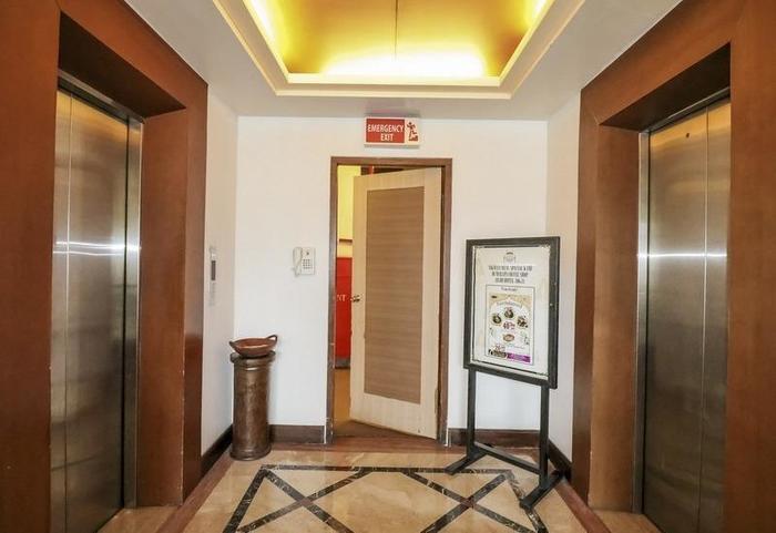 NIDA Rooms Pasar Kembang 49 Kraton - Mengangkat