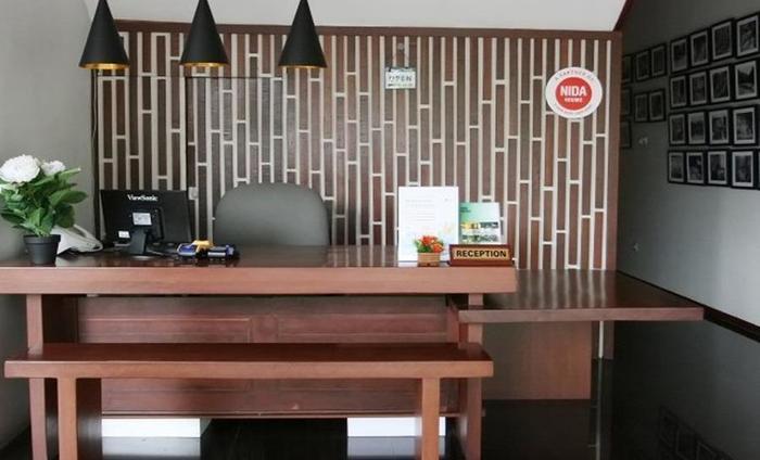 NIDA Rooms Pejatan Barat Pasar Minggu Jakarta - Resepsionis