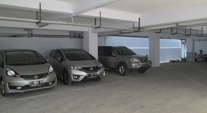 Kembang Hotel Bandung - Area parkir