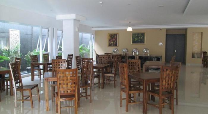 Kembang Hotel Bandung - Ruang makan
