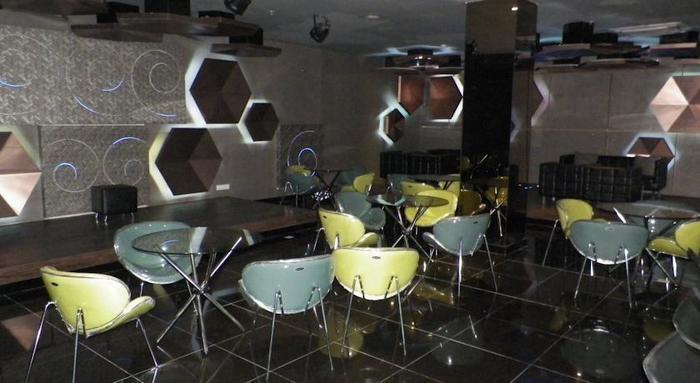 Sutan Raja Hotel Bandung - Bar