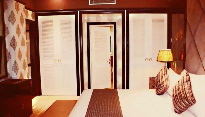 Sutan Raja Hotel Bandung - Kamar Junior Suite