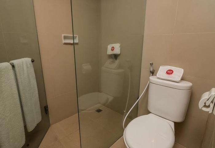 NIDA Rooms Padma Kuta Badung - Kamar mandi