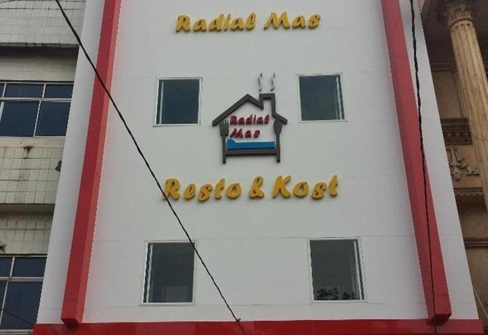 Radial Mas Resto & Kost Palembang - Eksterior