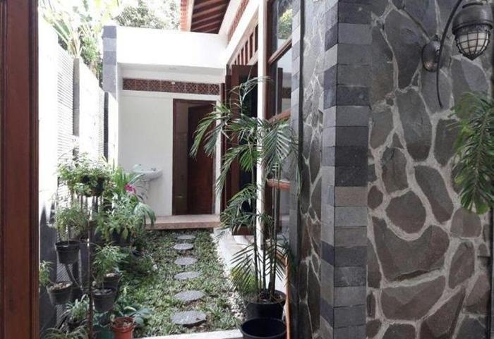 Puri Langenarjan Guest House Yogyakarta - Eksterior