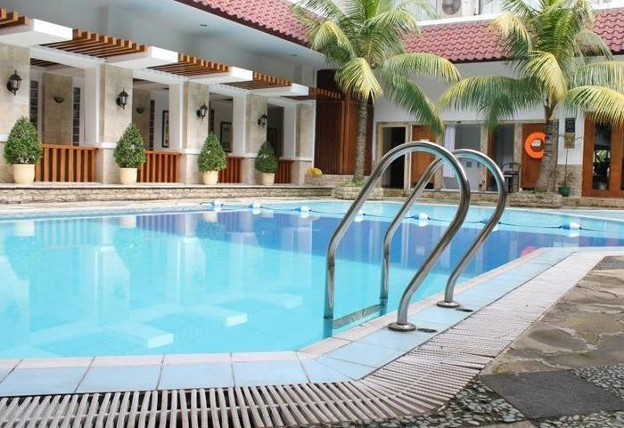 Hotel Salak The Heritage Bogor - Swimming Pool