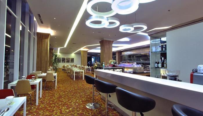 Nexa Hotel Bandung - BAR