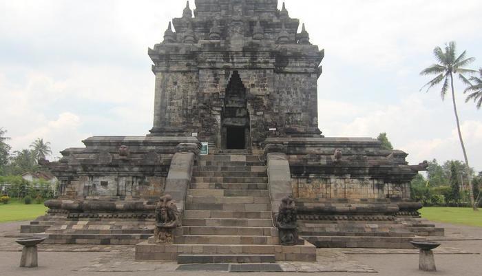 Saraswati Borobudur - Candi Mendut