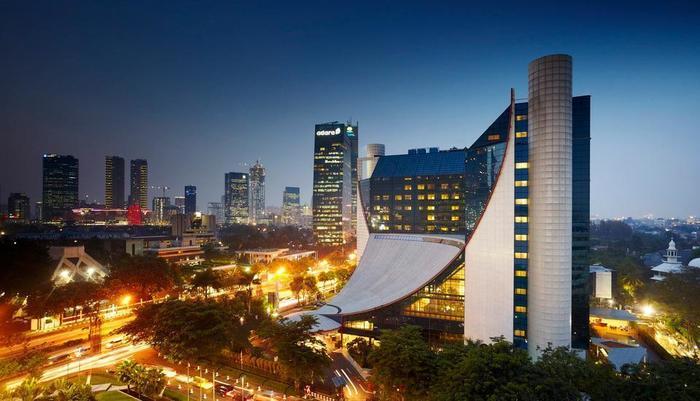Grand Melia Jakarta - Hotel Facade
