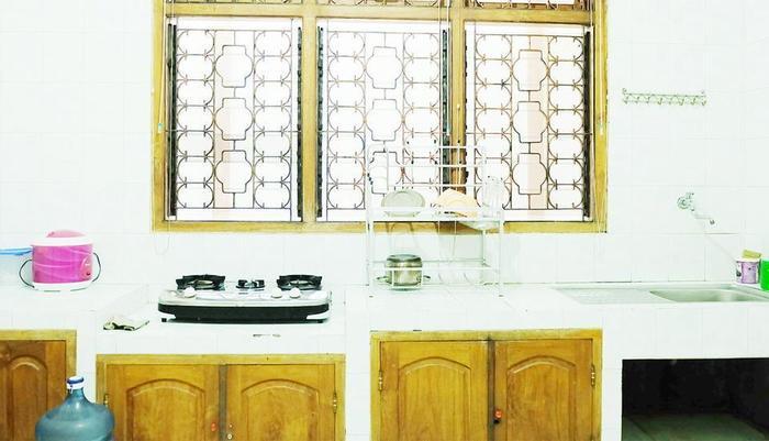 Simply Homy Guest House Jalan Magelang Yogyakarta - Kitchen